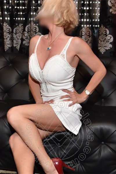 Bettina  FRANCOFORTE 00491713437236